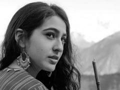 No, Sara Ali Khan's <I>Kedarnath</i> Will Not Clash With Shah Rukh Khan's Next Film. Producer Clarifies