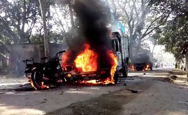 Protesters Burn Vehicles Over Power Project Near Kolkata