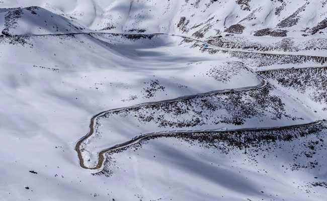 'चिल्लई कलां' से जूझ रही है कश्मीर घाटी, लेह में कड़ाके की ठंड