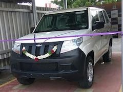 Mahindra TUV300 Plus Delivered To Customer; Anand Mahindra Confirms Launch In 2018