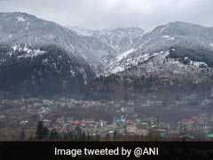 Manali Gets Season's First Snowfall