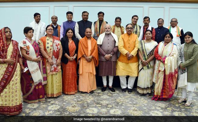 PM Modi Meets Yogi Adityanath, Newly-Elected UP Mayors