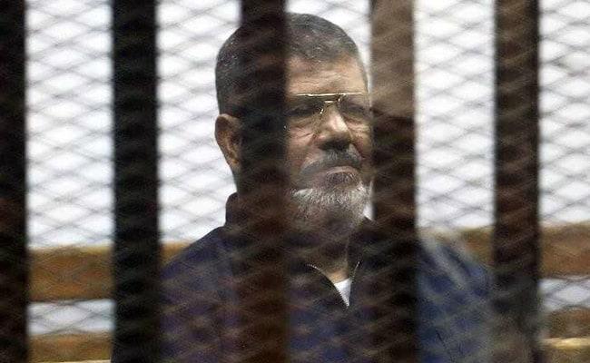 'न्यायपालिका का अपमान' करने के मामले में मिस्र के पूर्व राष्ट्रपति मुर्सी को तीन साल जेल