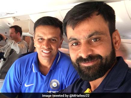 Hafeez Tweeted A Photo Dravid. Here