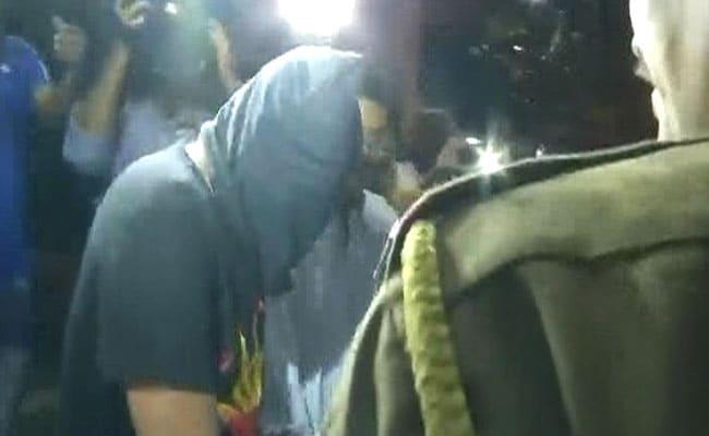 नाबालिग अभिनेत्री से फ्लाइट में छेड़छाड़ करने वाला आरोपी गिरफ्तार, पुलिस आज कोर्ट में करेगी पेश
