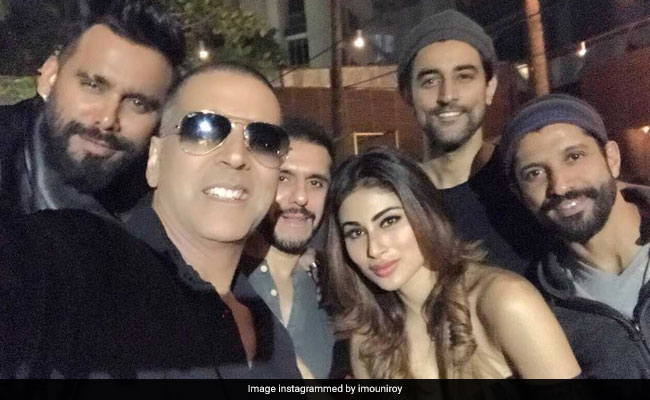 Akshay Kumar Wraps Gold Shoot. Mouni Roy Posts Update