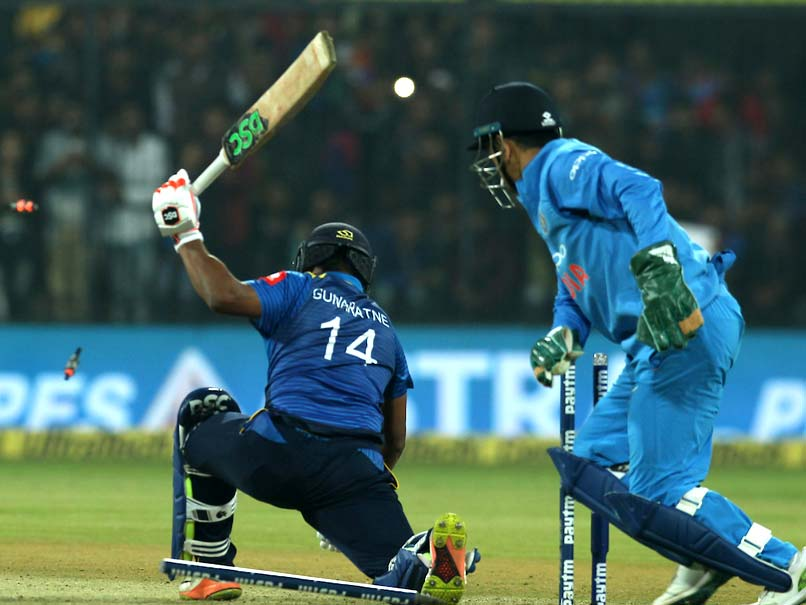 Watch: MS Dhonis Lightning Glovework In 2nd T20I Leaves Fans Awestruck