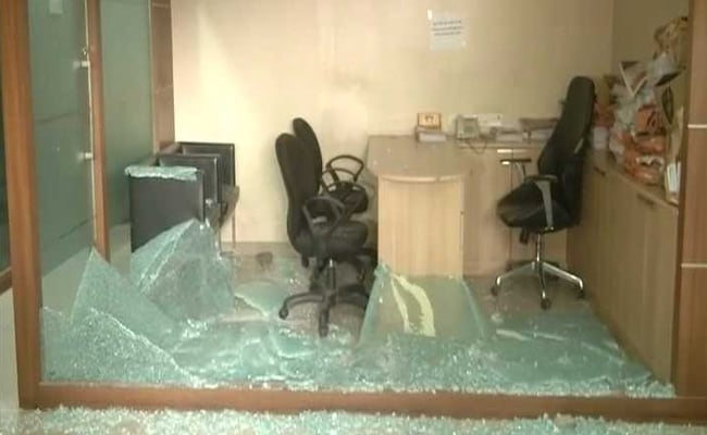 Mumbai Congress Office Attacked By MNS Workers
