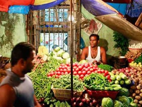 Wholesale inflation edges higher to 3.93% in November, from 3.59% in October