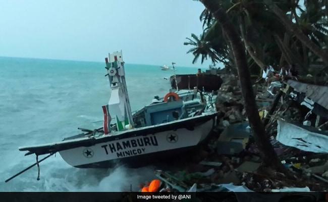 'ओखी' का कहर :  लहरों से उल्लाल के तटीय इलाके प्रभावित, कई घरों को नुकसान
