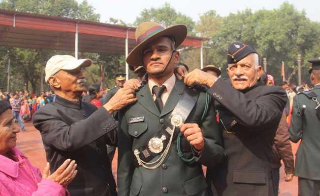 ओटीए में प्रशिक्षित 166 अफसर पासिंग आउट परेड के साथ सेना में शामिल