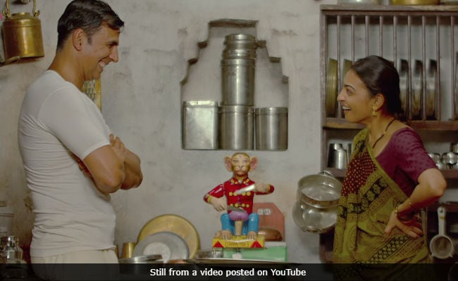 PadMan Song Aaj Se Teri Shows Akshay Kumar As Radhika Apte's 'Superhero'