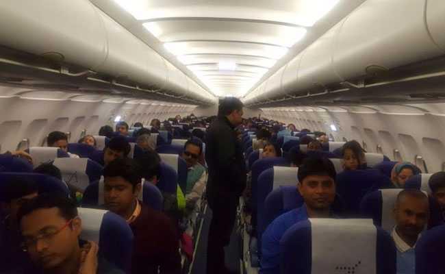 बिहार में घना कोहरा, पटना एयरपोर्ट पर विमान में फंसे यात्री