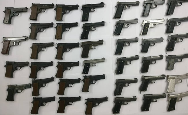 राजस्थान: अवैध हथियारों के लाइसेंस बनाने के रैकेट का खुलासा, राष्ट्रीय सुरक्षा पर उठे सवाल