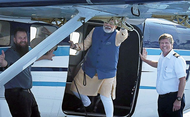 Gujarat Assembly Election 2017: Congress Mocks PM Modi's Seaplane Ride As 'Hawa Hawai'