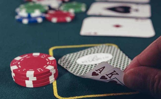 poker generic unsplash 650