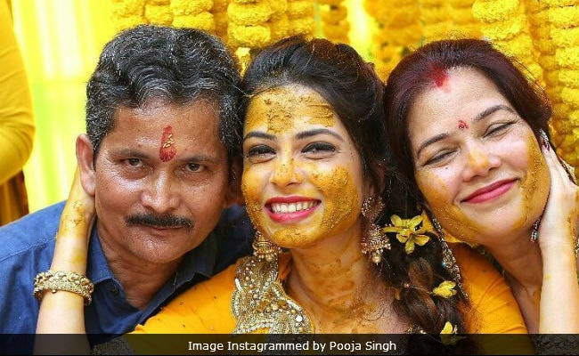 Diya Aur Baati Hum Actress Pooja Singh Posts Pics From Her Wedding