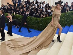 2017 In Review: Priyanka Chopra And The Dress That Launched A 1,000 Memes