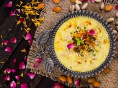 4-Ingredient Custard Apple <i>Rabdi</i> Is The Easiest Way To End Your Meal With A Sweet Surprise!