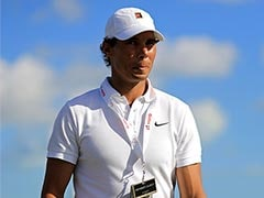 Rafael Nadal Watches Tiger Woods Tee Off In Bahamas