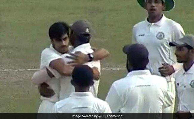 रणजी ट्रॉफी : रजनीश गुरबानी की गेंदबाजी ने कर्नाटक से जीत छीनी, विदर्भ 5 रन की जीत के साथ फाइनल में पहुंचा