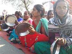 रांची में मनरेगा मजदूरों ने मांगे अपने अधिकार, थाली बजाकर सरकार तक पहुंचाई आवाज