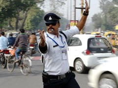 Indore's 'Moonwalking' Traffic Cop Turns Heads With His Incredible Dance Moves