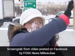 VIDEO: कैमरे के सामने थी रिपोर्टर, सामने से किसी ने जोर से मारी बर्फ, फिर...