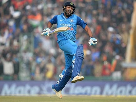 India vs Sri Lanka: Rohit Sharma Smashes Four Sixes In A Row Off Suranga Lakmal. Watch Video