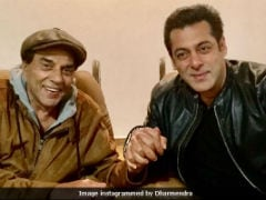 Seen This Pic Of Salman Khan And Dharmendra Yet?
