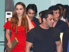 'गर्लफ्रेंड' के साथ 'टाइगर' सलमान खान ने मनाया क्रिसमस, भांजी भी साथ दिखीं