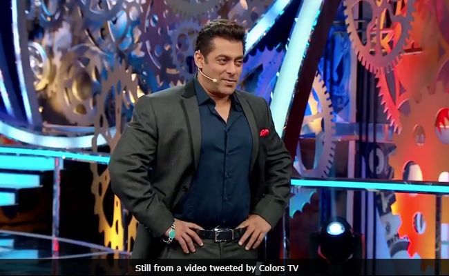 Bigg Boss 11, December 16: Salman Khan's Weekend Ka Vaar On Arshi Khan, Priyank