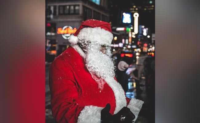 Santa Claus May Be At Serious Health Risk: Experts
