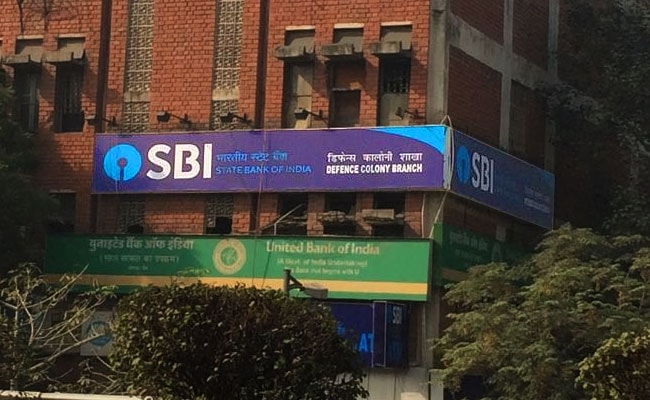 Five Ways To Link SBI Bank Account With Aadhaar Card - SMS, App, Online, ATM, Branch Visit