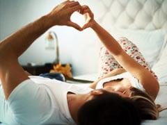 सेक्स को प्यार के चरम के रूप में पेश कर रहे हैं मीडिया और इंटरनेट : अदालत