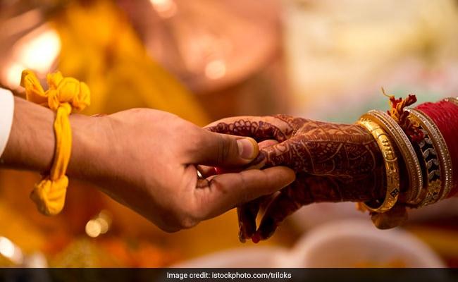 क्यों शादी में एक-दूसरे को दिए जाते हैं सात वचन, क्या है इन वचनों का महत्व