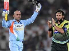 आइस क्रिकेट में वीरेंद्र सहवाग के साथ खेलेंगे ग्रीम स्मिथ और शाहिद अफरीदी