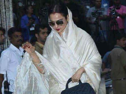 Shashi Kapoor's Prayer Meet In Mumbai. See Pics