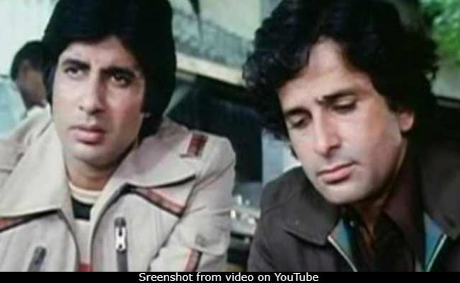 'With Men Like Shashi Kapoor Around, I Stood No Chance': Amitabh Bachchan's Tribute