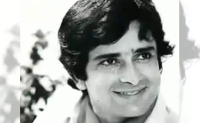 Actor Shashi Kapoor Dies At 79 After Prolonged Illness