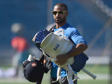 India vs South Africa: Limping Shikhar Dhawan Doubtful for 1st Test