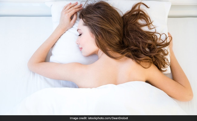 5 Unexpected Benefits Of Sleeping Naked