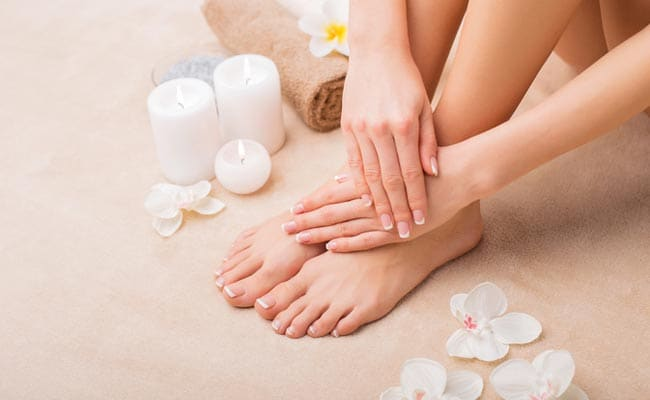 5 Natural Ingredients To Make Your Feet Soft And Smooth