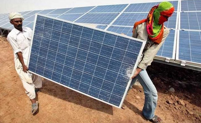 India Assures Contracts For Local Solar Equipment Makers In Government Projects