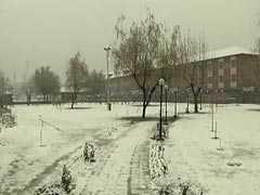 Kashmir Valley Cut Off After Rain, Snow. Highway Blocked, Flights Hit