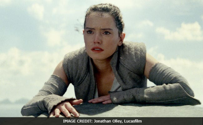 Star Wars: The Last Jedi Movie Review - The Band Is Back Together, With Love