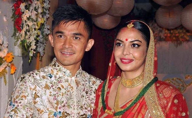 गर्लफ्रेंड सोनम संग भारतीय फुटबॉल कप्तान सुनील छेत्री ने की नई पारी की शुरुआत