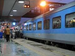 Railway Panel Mulling Increased Fare For Lower Berths, Festive Travel