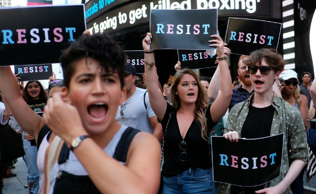US Judge Clears Way For Transgender Military Recruits To Enlist