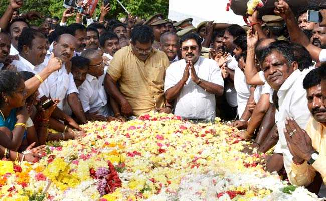 AIADMK Expels Over 130 TTV Dhinakaran Supporters From Party
